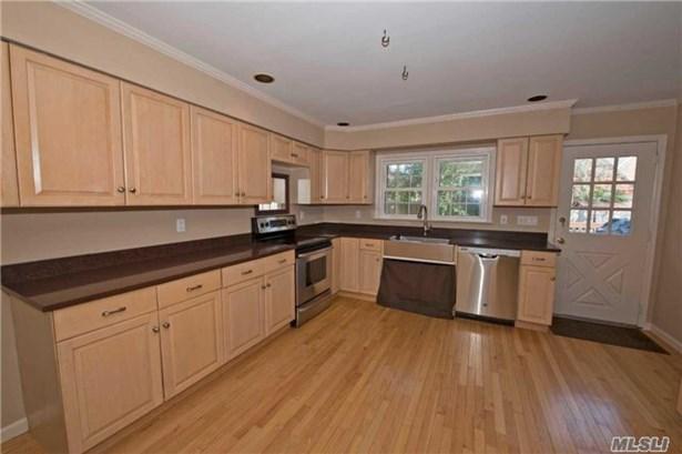 Residential, Exp Cape - Islip, NY (photo 5)