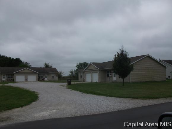 Duplex - Virden, IL (photo 2)