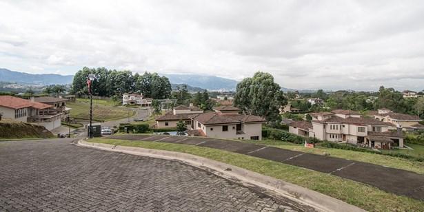 Colinas De Montealegre, Tres Rios - CRI (photo 3)