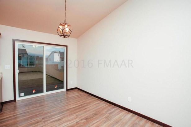 3435 17th Street S, Moorhead, MN - USA (photo 4)