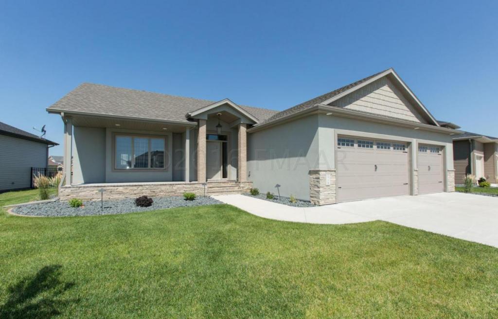 3718 Bell Boulevard E, West Fargo, ND - USA (photo 1)