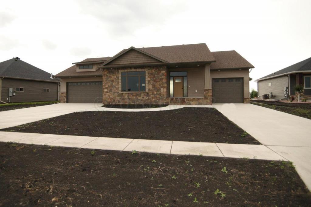 2613 Mcleod Drive E, West Fargo, ND - USA (photo 1)