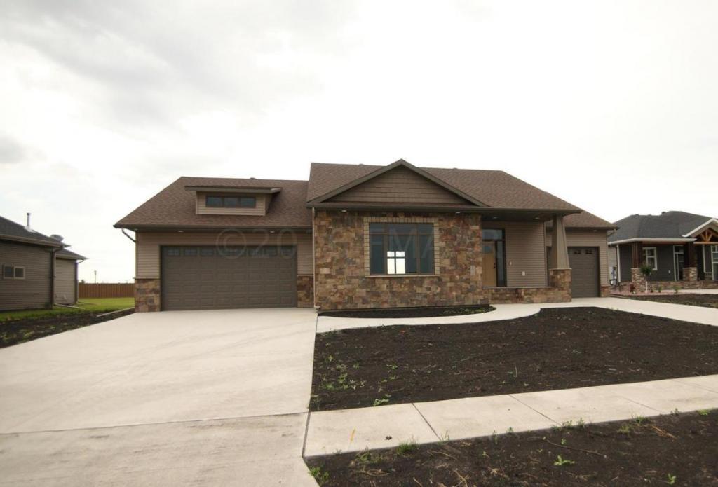 2613 Mcleod Drive E, West Fargo, ND - USA (photo 3)
