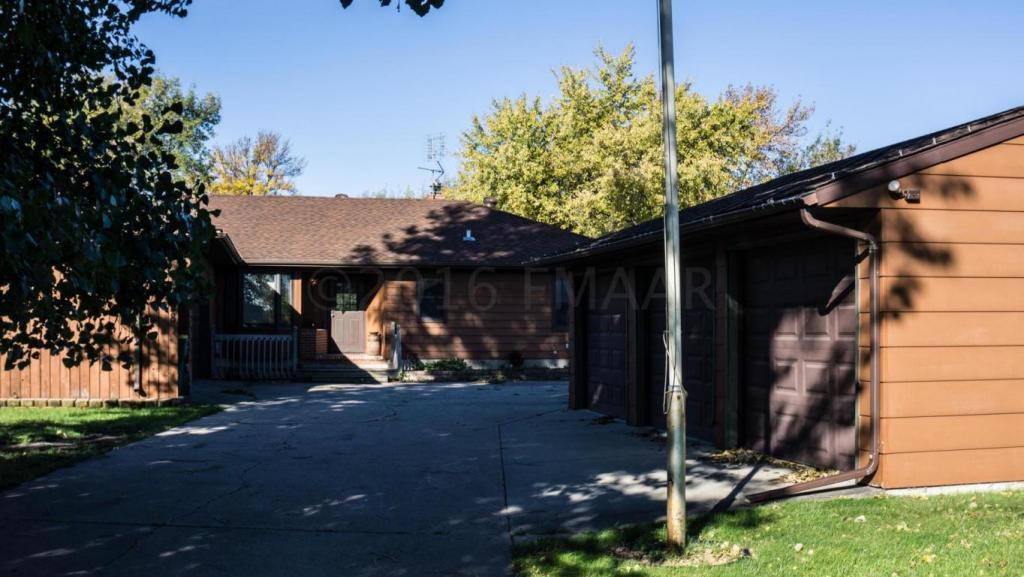 1538 Sheyenne Street, West Fargo, ND - USA (photo 1)