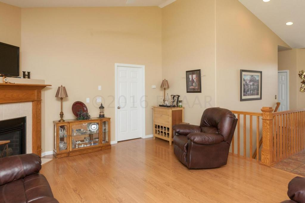 4283 Coventry Drive S, Fargo, ND - USA (photo 2)