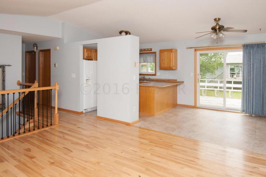 2911 Heatherwood Circle S, Moorhead, MN - USA (photo 4)
