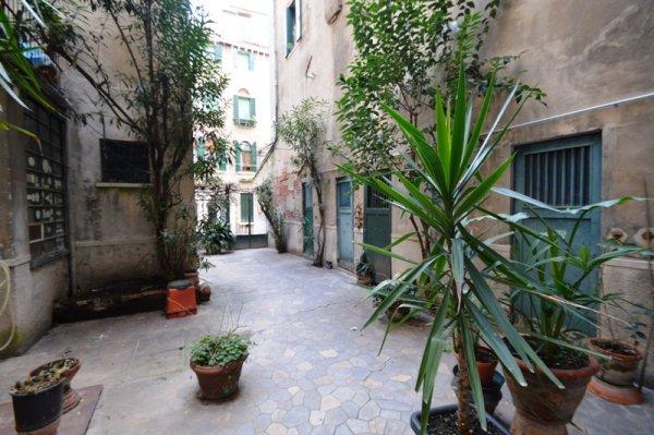 Dorsoduro , Venice - ITA (photo 2)