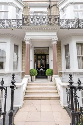 Vicarage Gate, Kensington - GBR (photo 1)