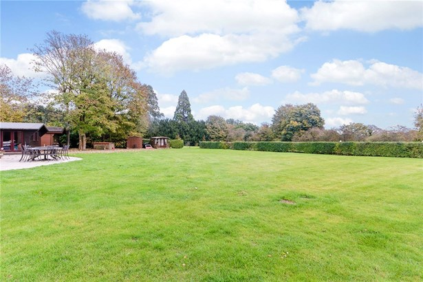 Danesbury Park Road, Welwyn - GBR (photo 1)