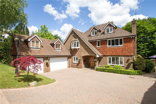 Farnham Lane, Haslemere - GBR (photo 1)