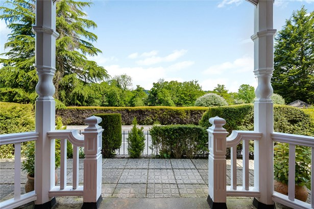 Shooters Hill, Pangbourne, Reading - GBR (photo 4)
