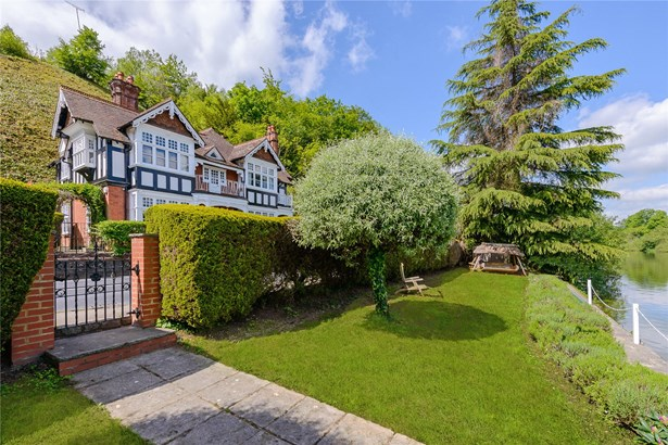 Shooters Hill, Pangbourne, Reading - GBR (photo 5)