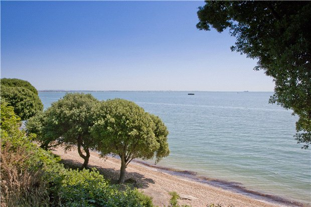 Stanswood Road, Nr Lepe - GBR (photo 2)