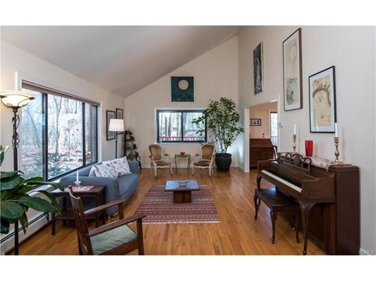 Contemporary,Split Level, Single Family - Nyack, NY (photo 5)