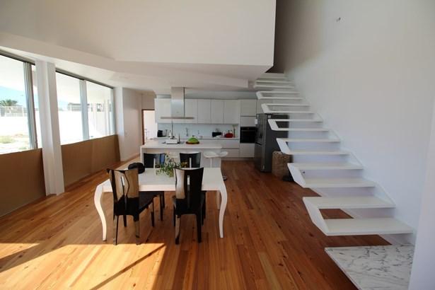 Contemporary real estate marvel in Porto de Mos Foto #4 (photo 4)