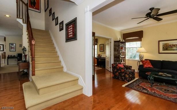 Colonial, Contemporary, Single Family - West Orange Twp., NJ (photo 2)