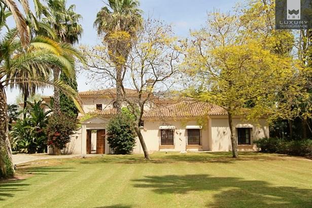 Beautiful riverside property for sale on Paseo del Parque – Sotogrande Costa (photo 3)