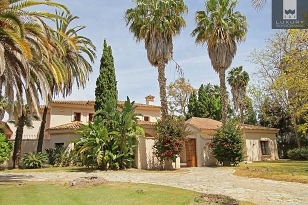 Beautiful riverside property for sale on Paseo del Parque – Sotogrande Costa (photo 4)