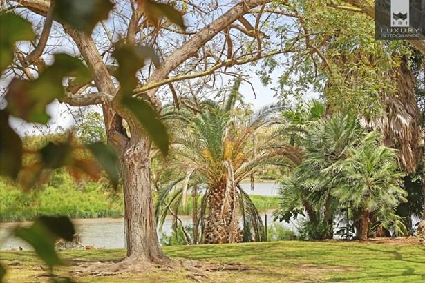 Beautiful riverside property for sale on Paseo del Parque – Sotogrande Costa (photo 5)