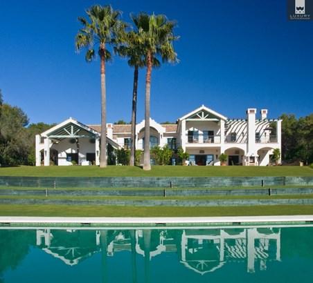 Luxury 8 bedroom Villa for Sale in Sotogrande Alto (photo 1)