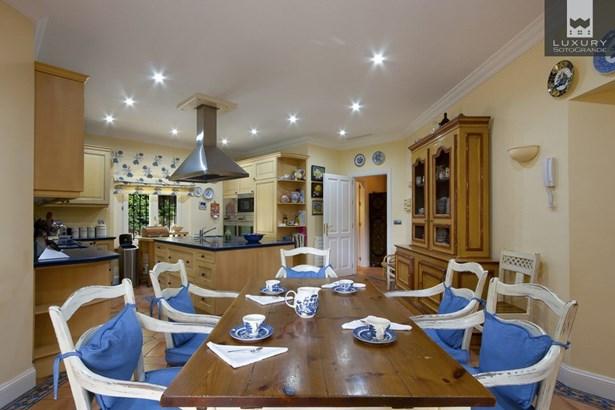 Magnificent family Villa for sale in Sotogrande (photo 4)