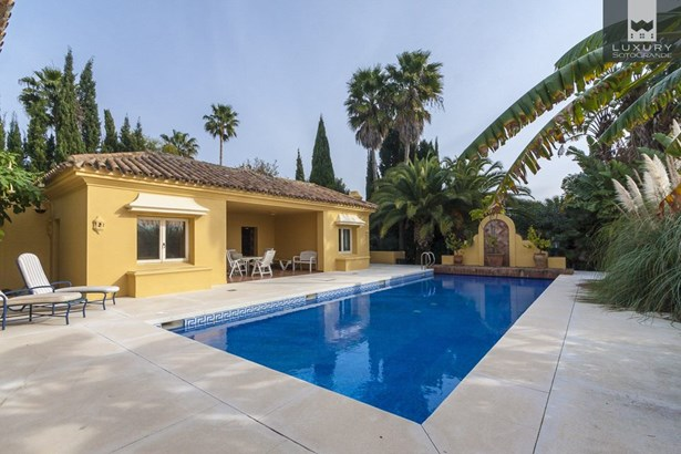 Magnificent family Villa for sale in Sotogrande (photo 3)