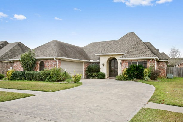 Detached Single Family, French,Traditional - Youngsville, LA (photo 1)
