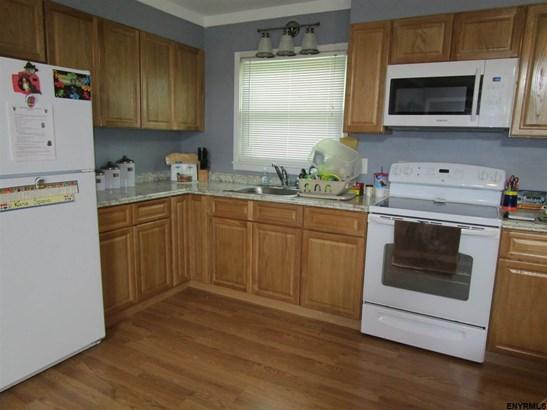 189 North St, Cobleskill, NY - USA (photo 2)