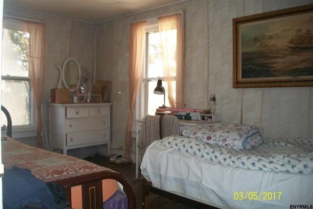 136 South St, Sharon Springs, NY - USA (photo 3)