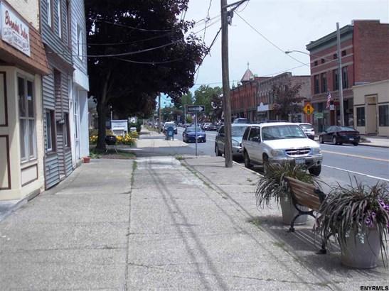 63 Broad St, Schuylerville, NY - USA (photo 3)