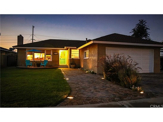 Single Family Residence, Traditional - Orange, CA (photo 1)