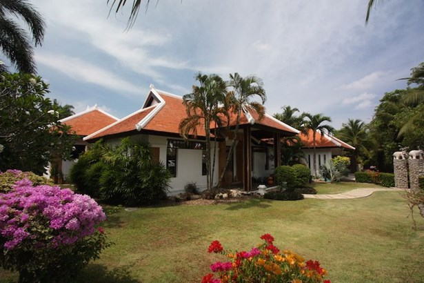 Phuket, Cherngtalay - THA (photo 4)