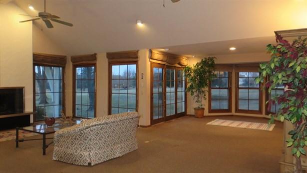 Traditional, Patio/Garden Home - Wichita, KS (photo 5)