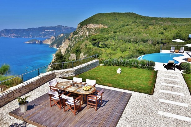 Corfu - GRC (photo 3)