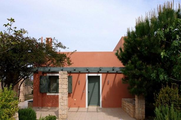 Egina - GRC (photo 2)