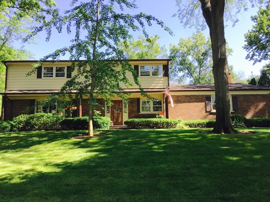Colonial, 2 Stories - LAKE FOREST, IL (photo 1)