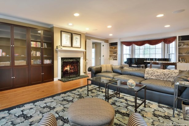 Cottage, 2 Stories - LAKE FOREST, IL (photo 4)