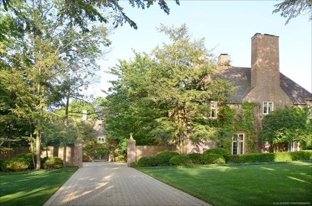 English, 3 Stories - LAKE FOREST, IL (photo 2)