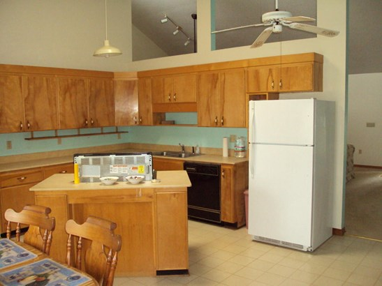 Detached Single Family, Contemporary - Baker, FL (photo 5)