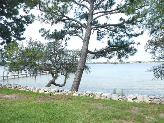 Townhome, Attached Single Unit - Shalimar, FL (photo 4)