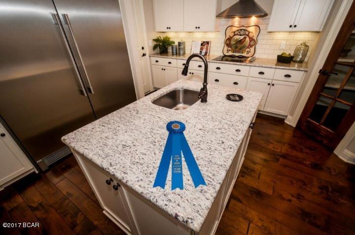 Detached Single Family, Craftsman Style - Baker, FL (photo 4)