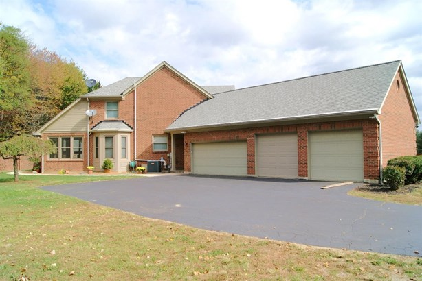 Transitional, Single Family Residence - Tate Twp, OH (photo 2)