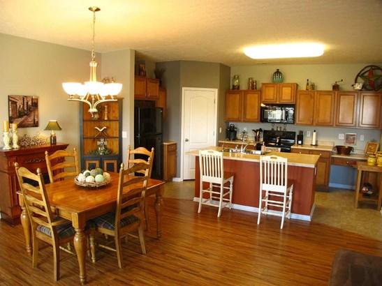 Condominium,Single Family Attached, Traditional - Walton, KY (photo 2)
