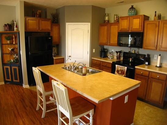 Condominium,Single Family Attached, Traditional - Walton, KY (photo 3)