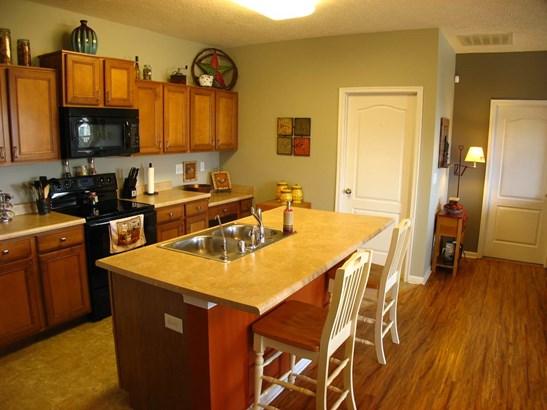 Condominium,Single Family Attached, Traditional - Walton, KY (photo 4)