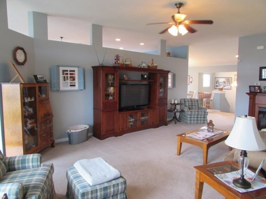 Transitional, Condominium,Single Family Attached - Cold Spring, KY (photo 5)