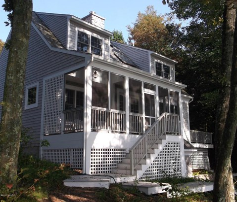 Cape Cod, Single Family Residence - Shelby, MI (photo 2)