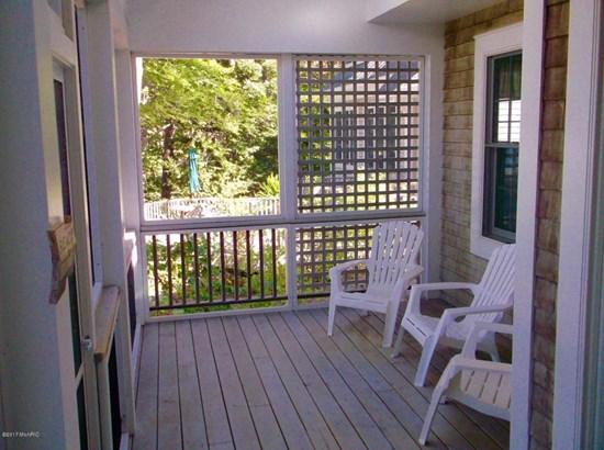 Cape Cod, Single Family Residence - Shelby, MI (photo 5)