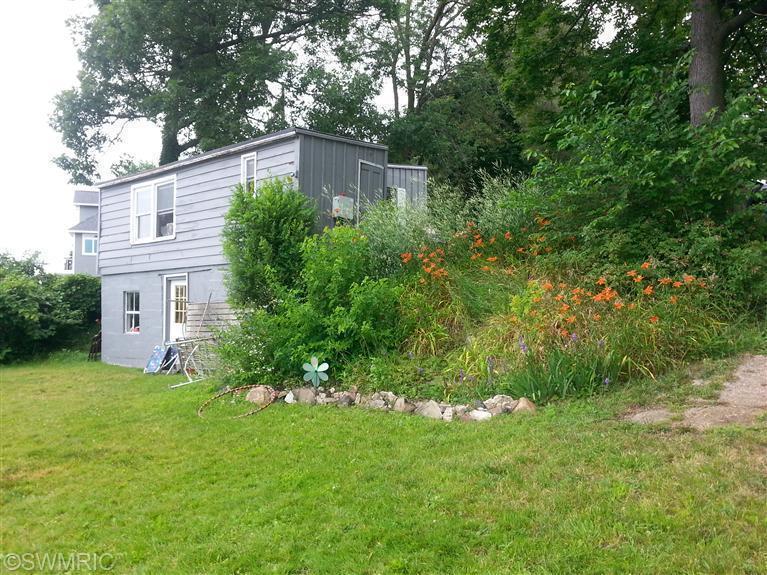 Cabin/Cottage, Single Family Residence - Delton, MI (photo 3)
