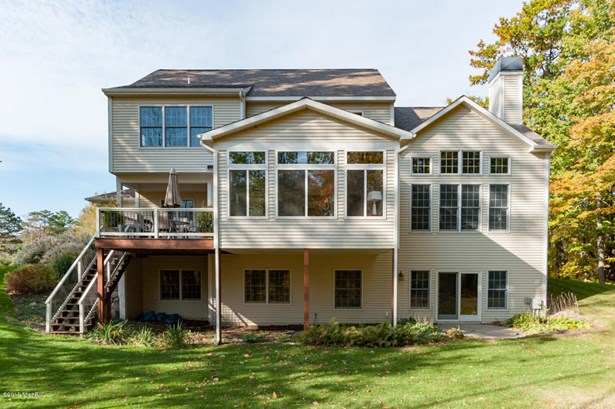Single Family Residence, Traditional - South Haven, MI (photo 5)